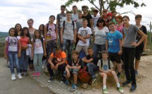Gruppenbild Klasse Auf Ausflügen erleben Schüler das Erlernte und bekommen einen praktischen Einblick