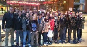 In Berlin besichtigen die Schüler unter anderem Theater und Museen