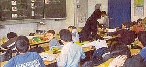Schüler im Klassenzimmer Schüler der KWS während ihres Unterrichts