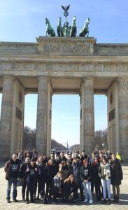 Gruppenfoto Schüler der KWS machen ihre Abschlussfahrt nach Berlin
