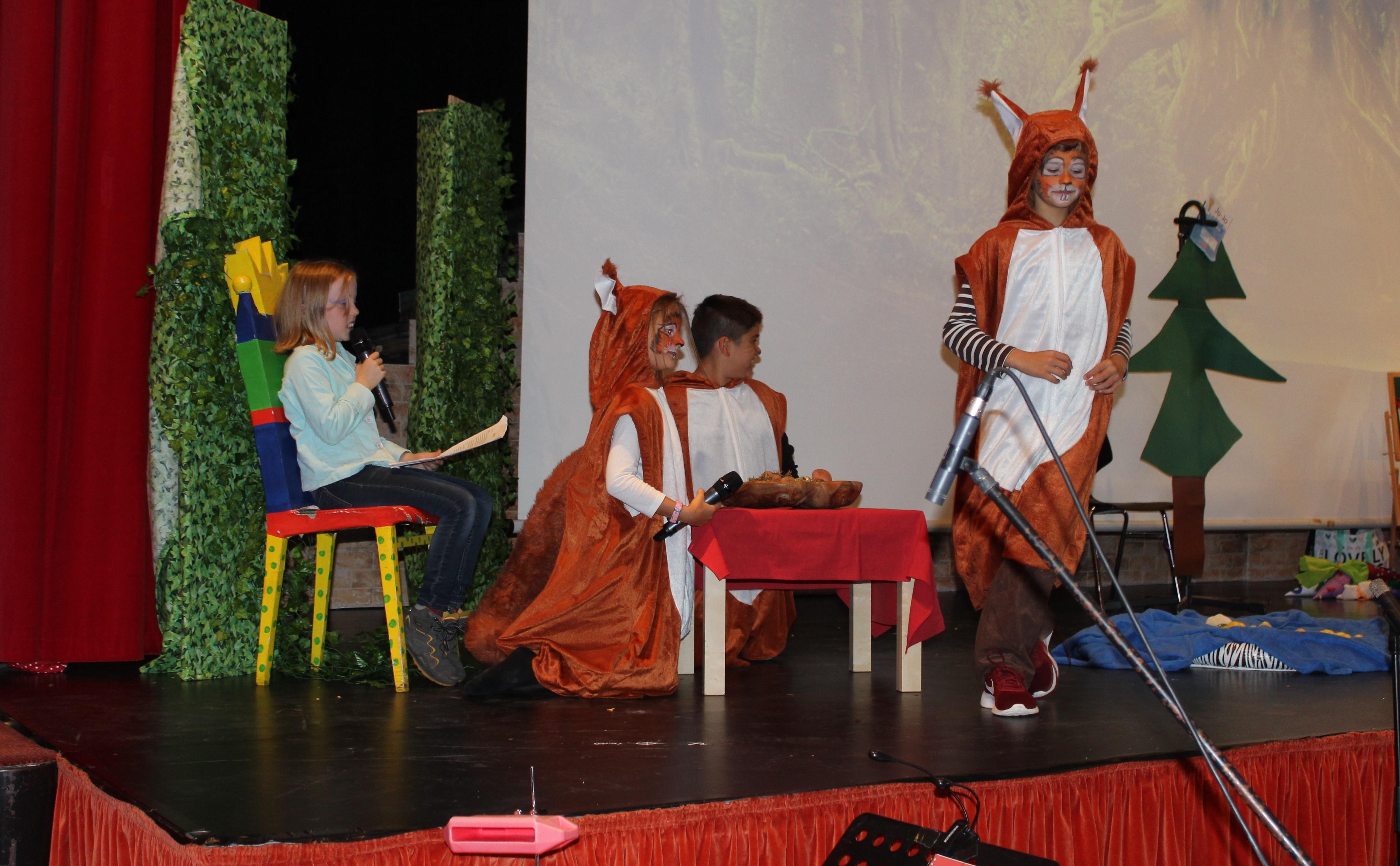 """Theaterstück """"Einschulung in der Waldschule"""""""