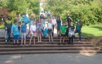 Schüler der KWS sammeln 30 KilogrammMüll