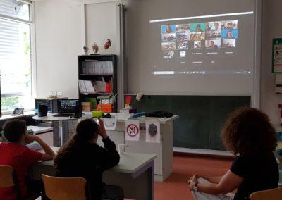 Auf dem Bild ist die Französischgruppe der Klassenstufe 6 bei einer Videokonferenz zu sehen. Videokonferenz der Französischgruppe der Klassenstufe 6
